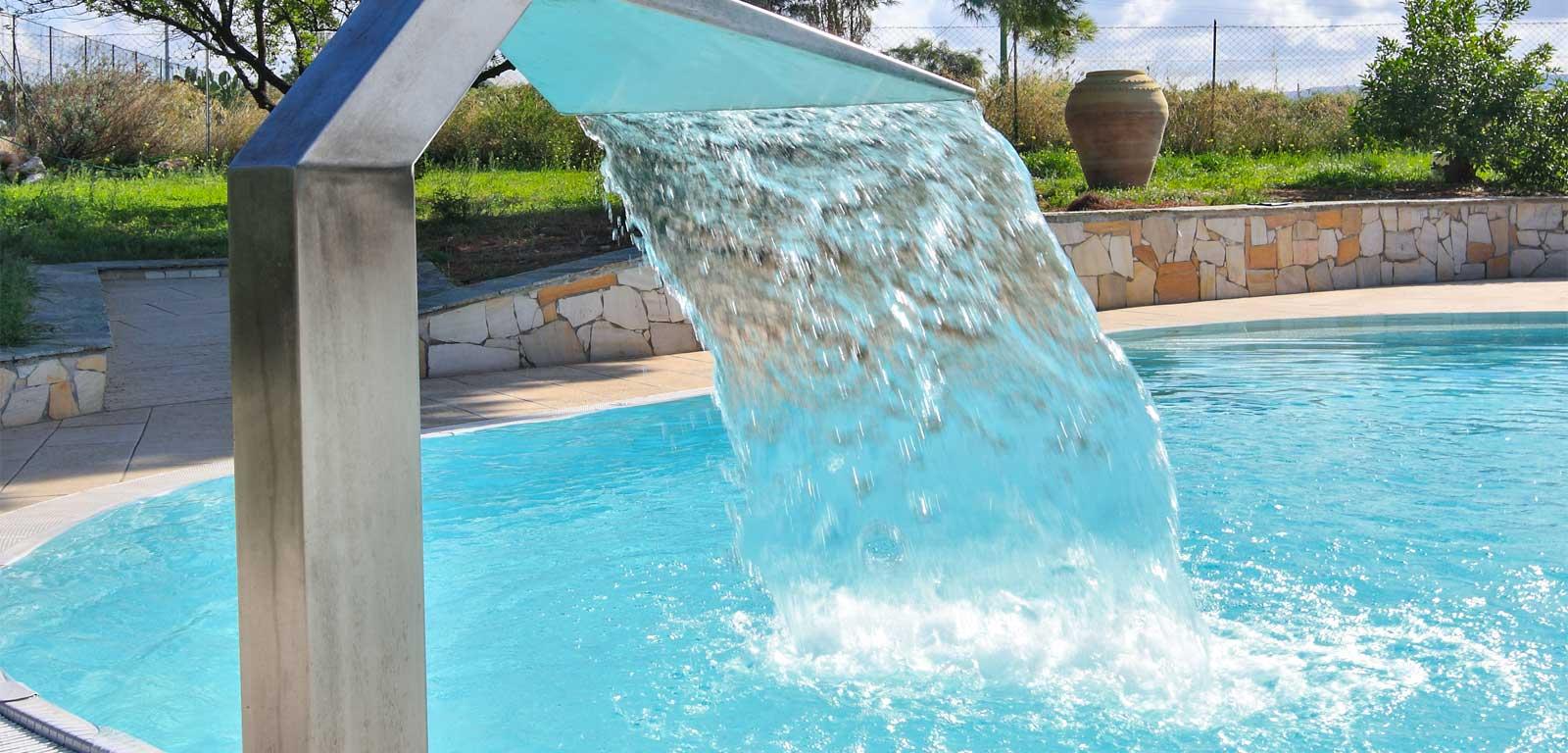 Idromassaggi e fontane piscine accessori manutenzione - Cascate per piscine ...