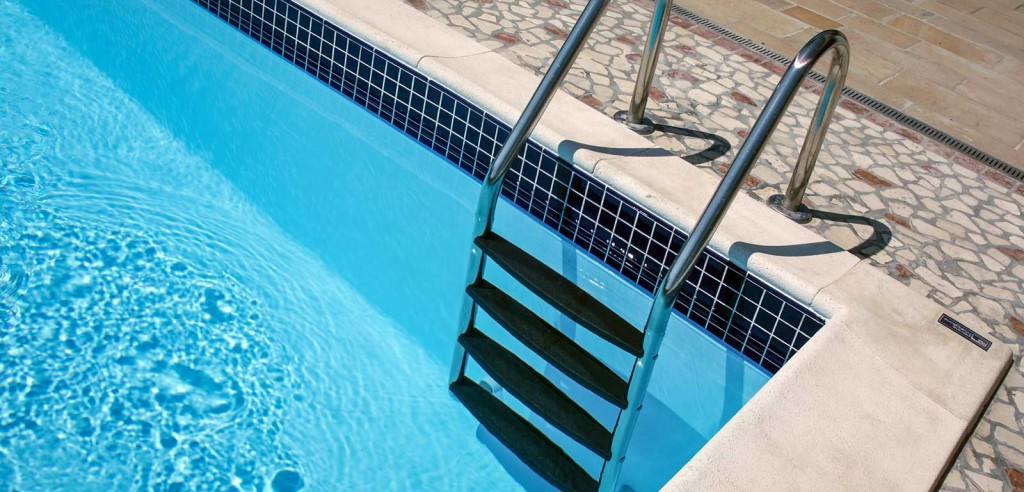 scaletta-per-piscina